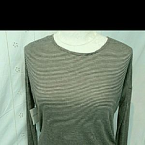 Beyond Yoga long sleeve open back pullover top M